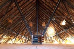 Installation auf dem Dachboden der Sophienkirche (Foto: Kai Bienert)